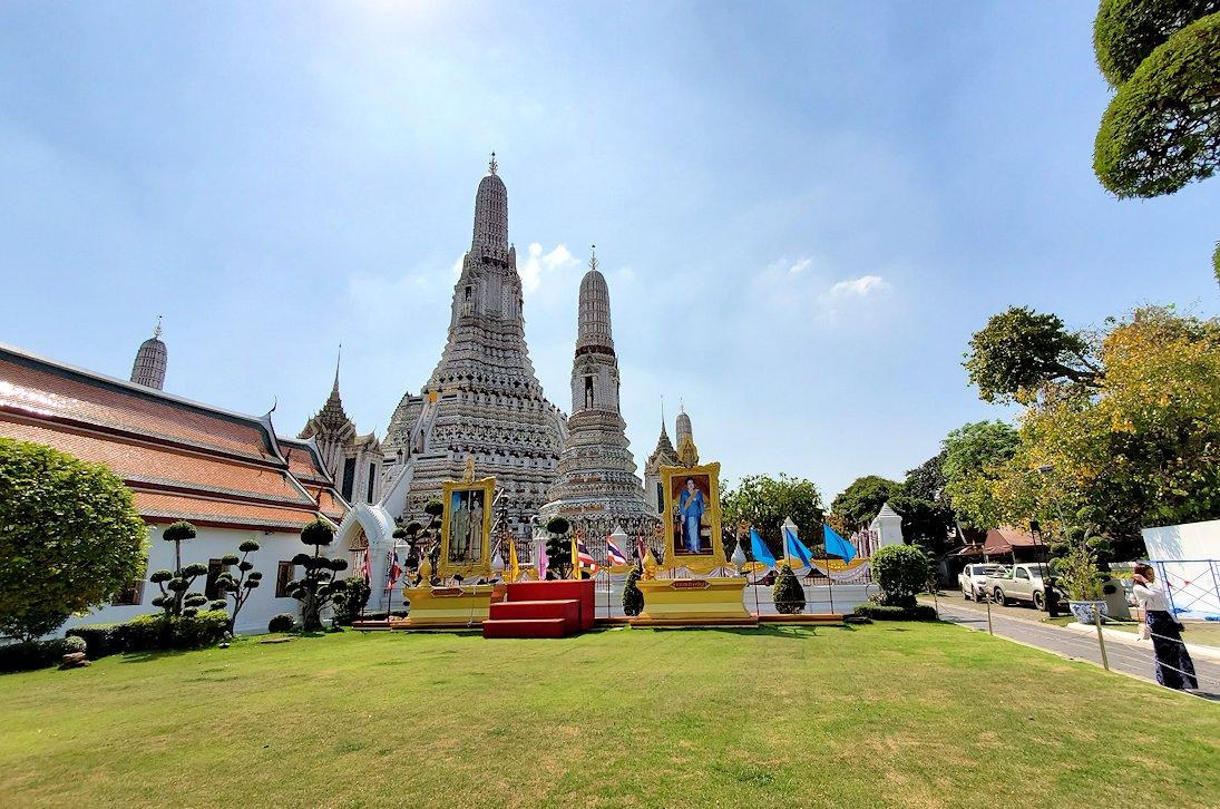 バンコク市内にあるワット・アルン寺院をじっくりと眺める