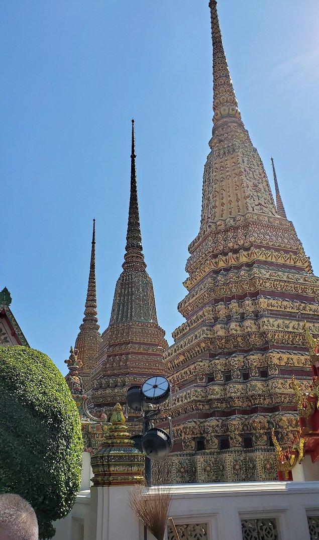 ワット・ポー内で見られる、昔の国王の仏塔