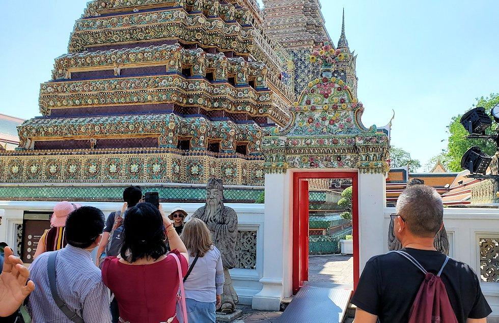 ワット・ポー内で見られる、昔の国王の仏塔-2