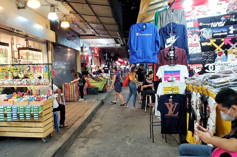 バンコク市内のパッポン通りの景色-3