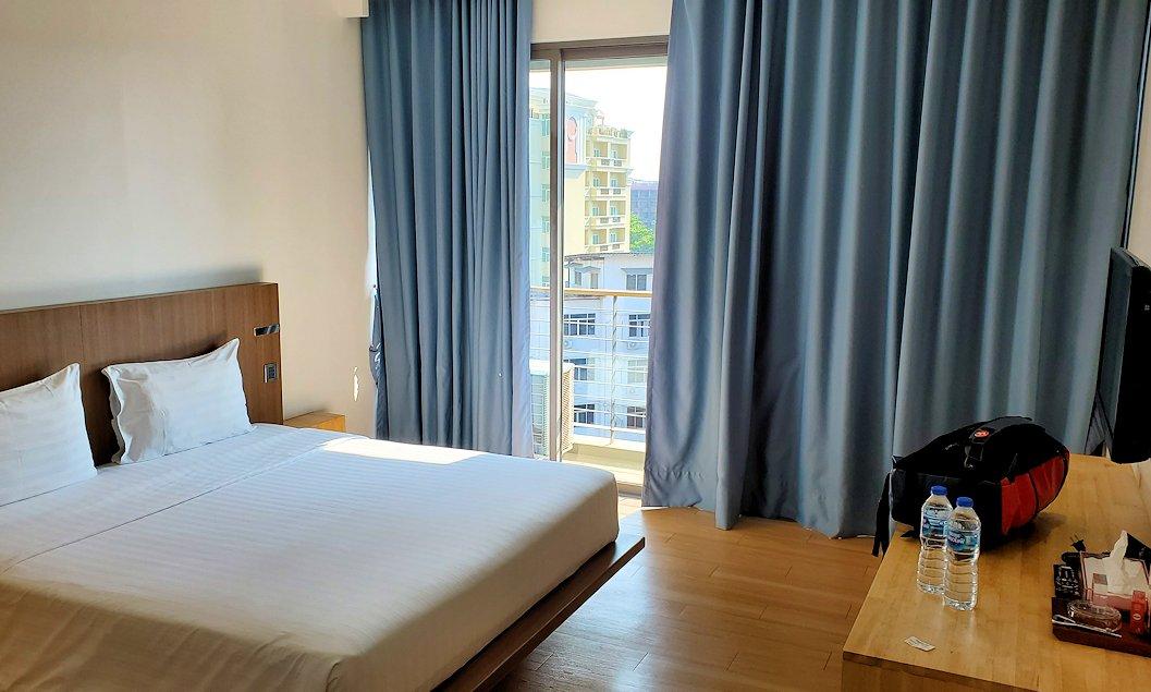 パタヤの街にある「シーナリー・ホテル」で宿泊した部屋-2