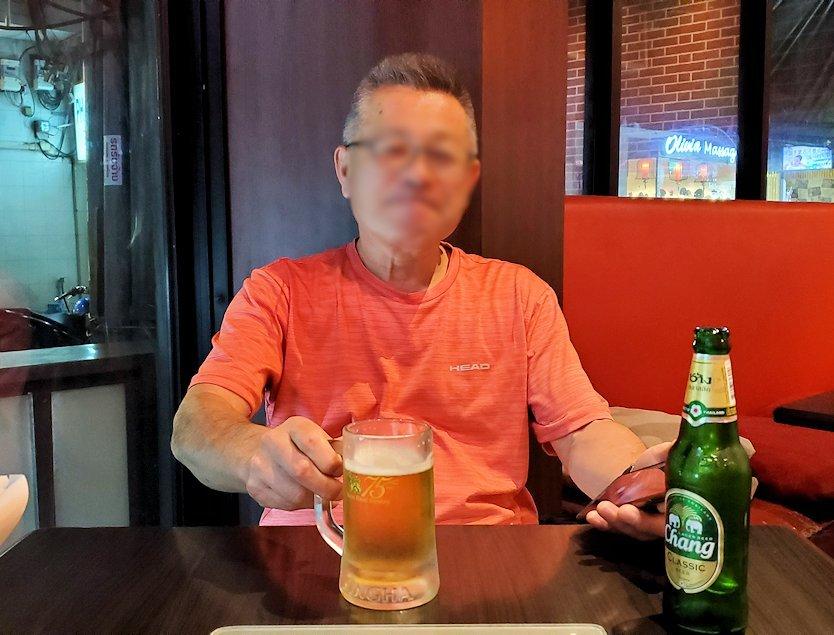 タニヤ通り周辺にあるアジアン・レストラン【aroikao】でチャンギビールで乾杯