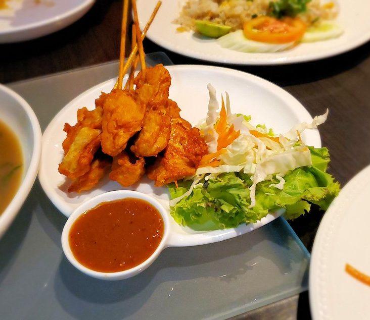 タニヤ通り周辺にあるアジアン・レストラン【aroikao】で美味しい料理を食べる-2