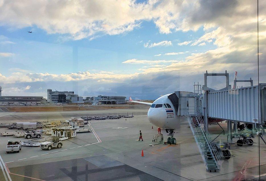 ドンムアン空港から関西国際空港に到着