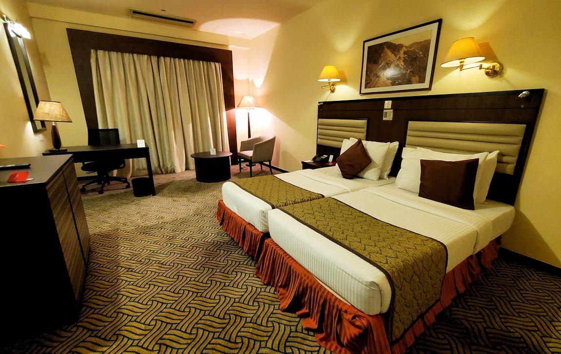 スリランカのネゴンボにある、「ラマダ・カトゥナヤカ・ホテル」の部屋内-2