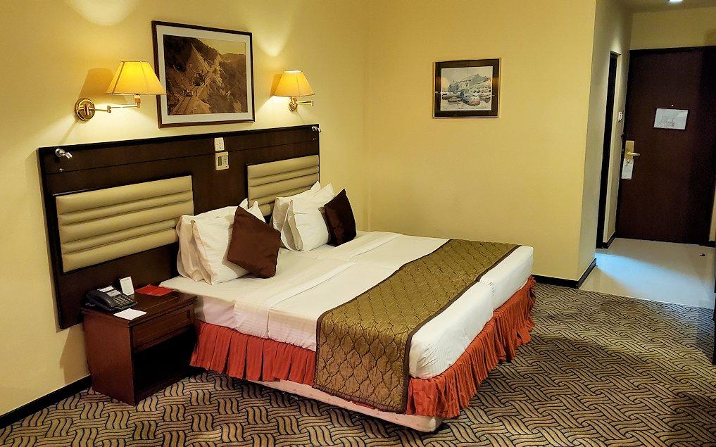 スリランカのネゴンボにある、「ラマダ・カトゥナヤカ・ホテル」の部屋内-3