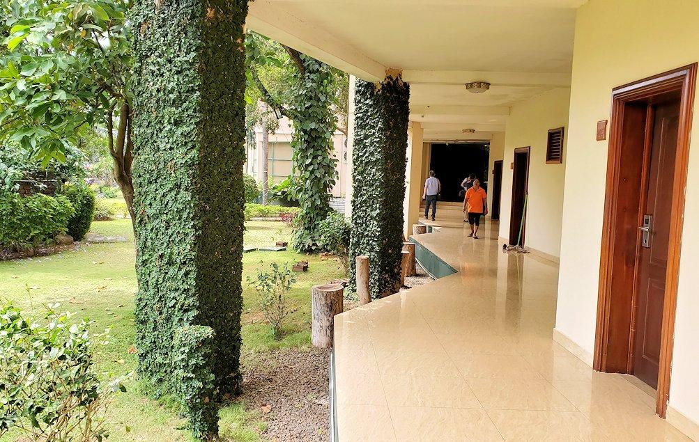 スリランカでアヌラーダプラへと向かう途中にある「ヘリテージ ホテル」に立ち寄る-2