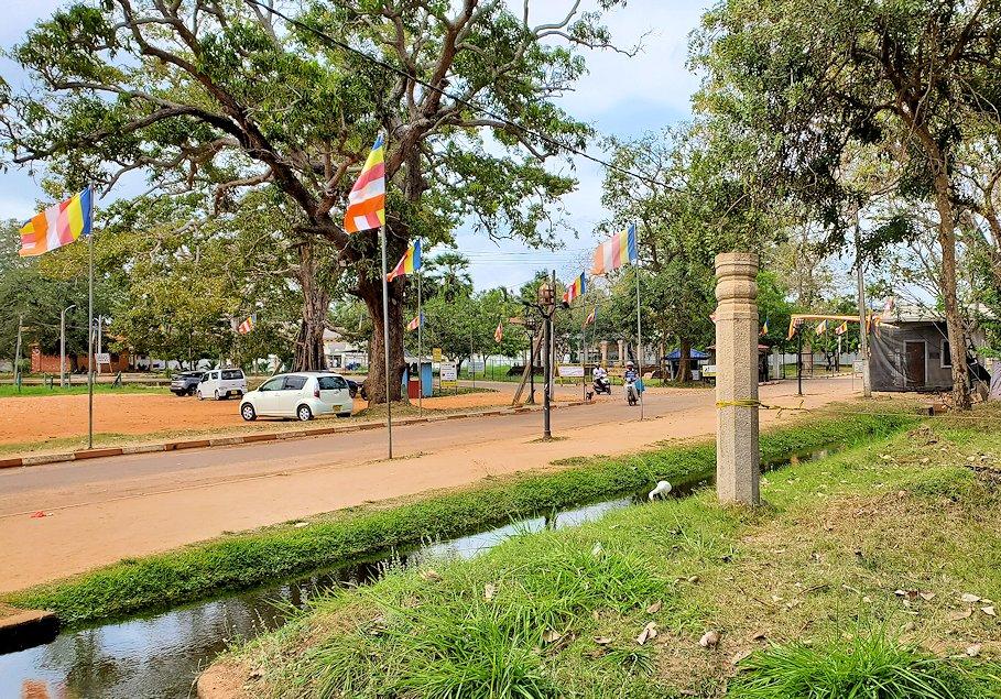 アヌラーダプラにあるスリー・マハー菩提樹が祀られる場所の敷地