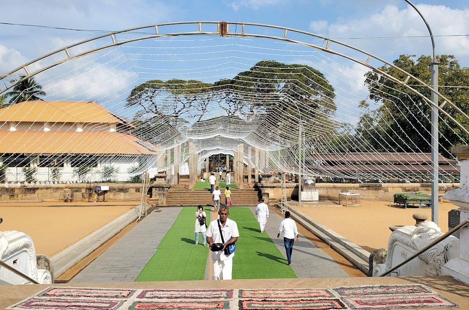 ルワンウェリ・サーヤ大塔周辺の景色