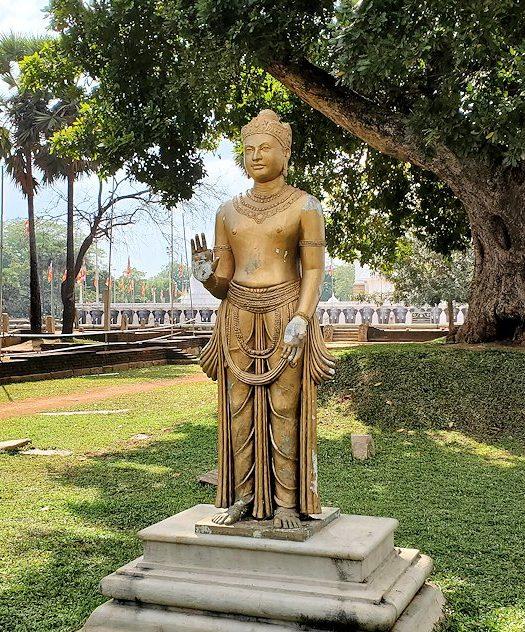 ルワンウェリ・サーヤ大塔周辺に設置されていた仏像