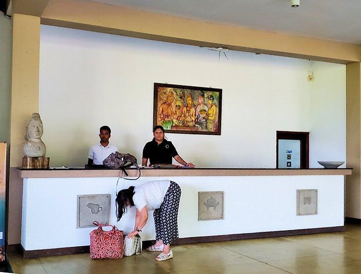 「カサッパ ライオンズ ロック」ホテルのフロント