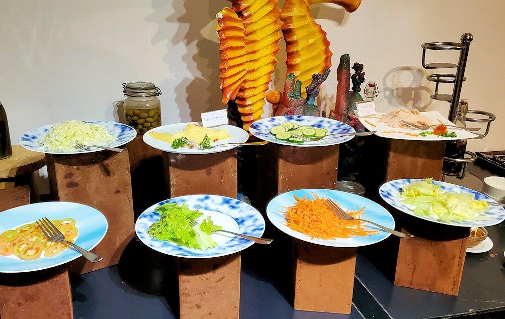 「カサッパ ライオンズ ロック」ホテルの朝食会場に置かれている野菜