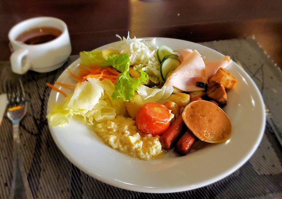 「カサッパ ライオンズ ロック」ホテルの朝食会場で食べる朝食