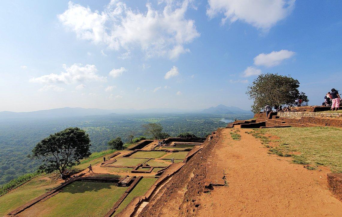 シギリヤロックの頂上から見える景色-4