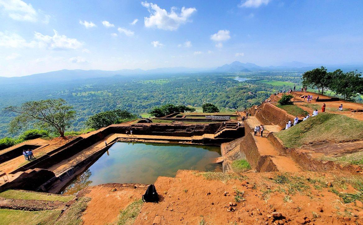 シギリヤロック頂上から見える景色