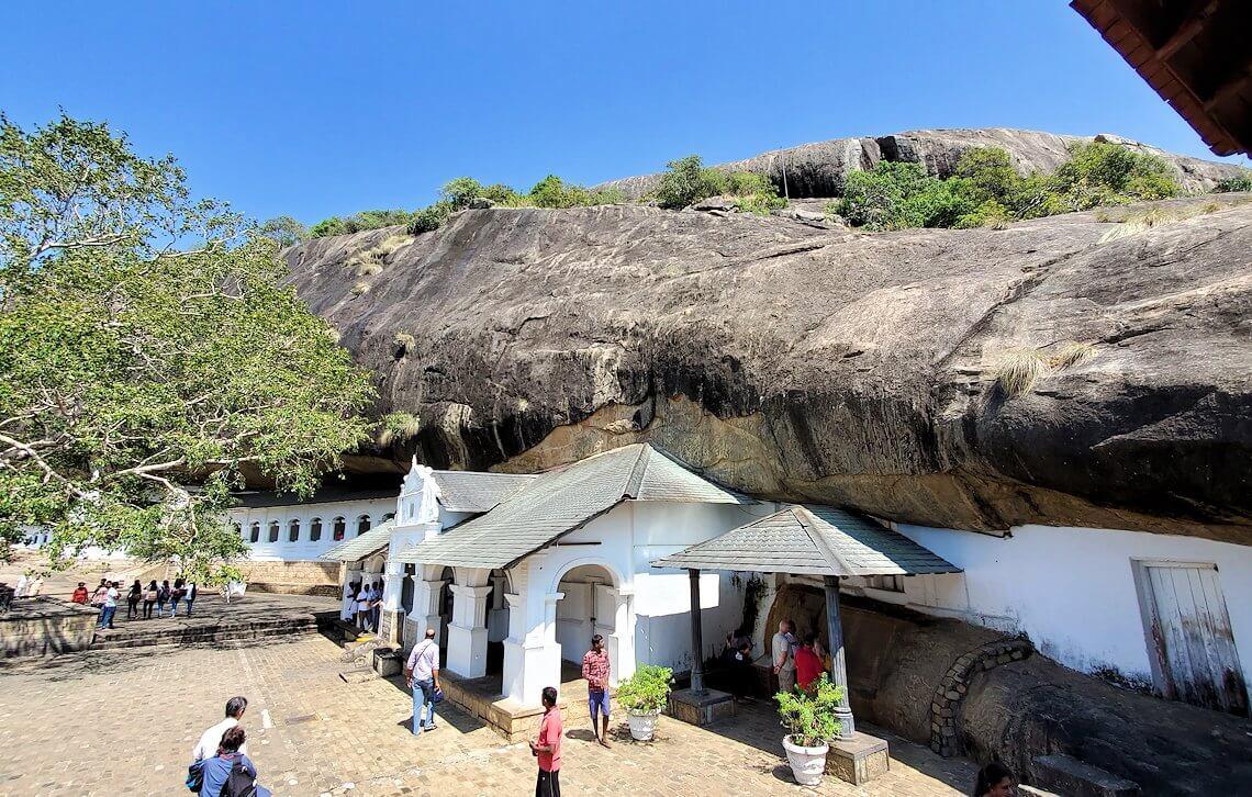 ダンブッラ寺院の景色