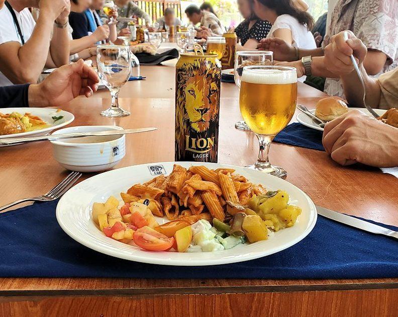 ピンナワラにあるホテル・エレファント・ベイのレストランでの昼食バイキングで食べた料理-2