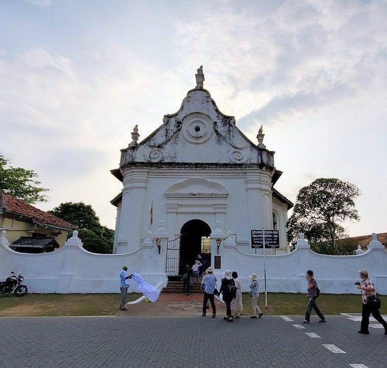 スリランカ:ゴールの旧市街地にあるオランダ教会を訪れる