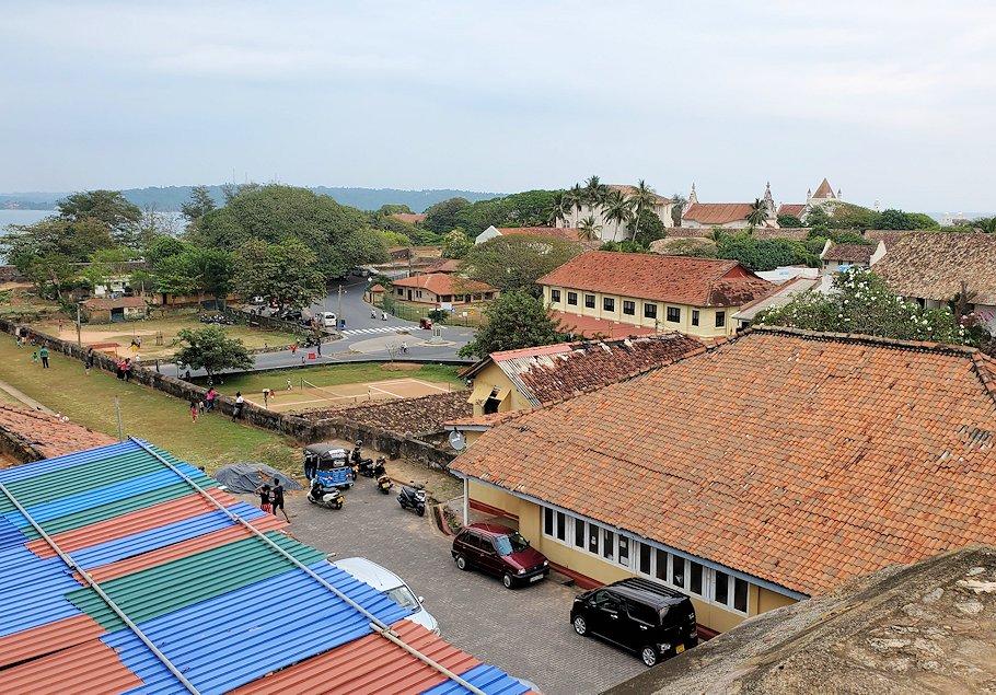 ゴールの旧市街地を要塞跡から見た景色