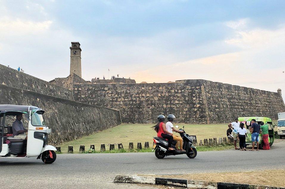 ゴールの旧市街地を要塞跡を最後に眺める