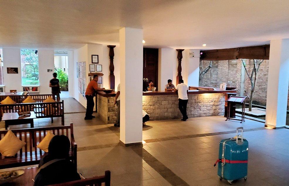 ゴールの街にある【ホテル】ザ・ロング・ビーチ・リゾートのフロント