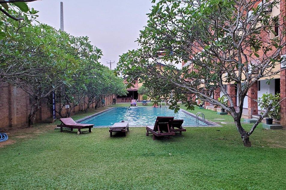 ゴールの街にある【ホテル】ザ・ロング・ビーチ・リゾート内にあるプール