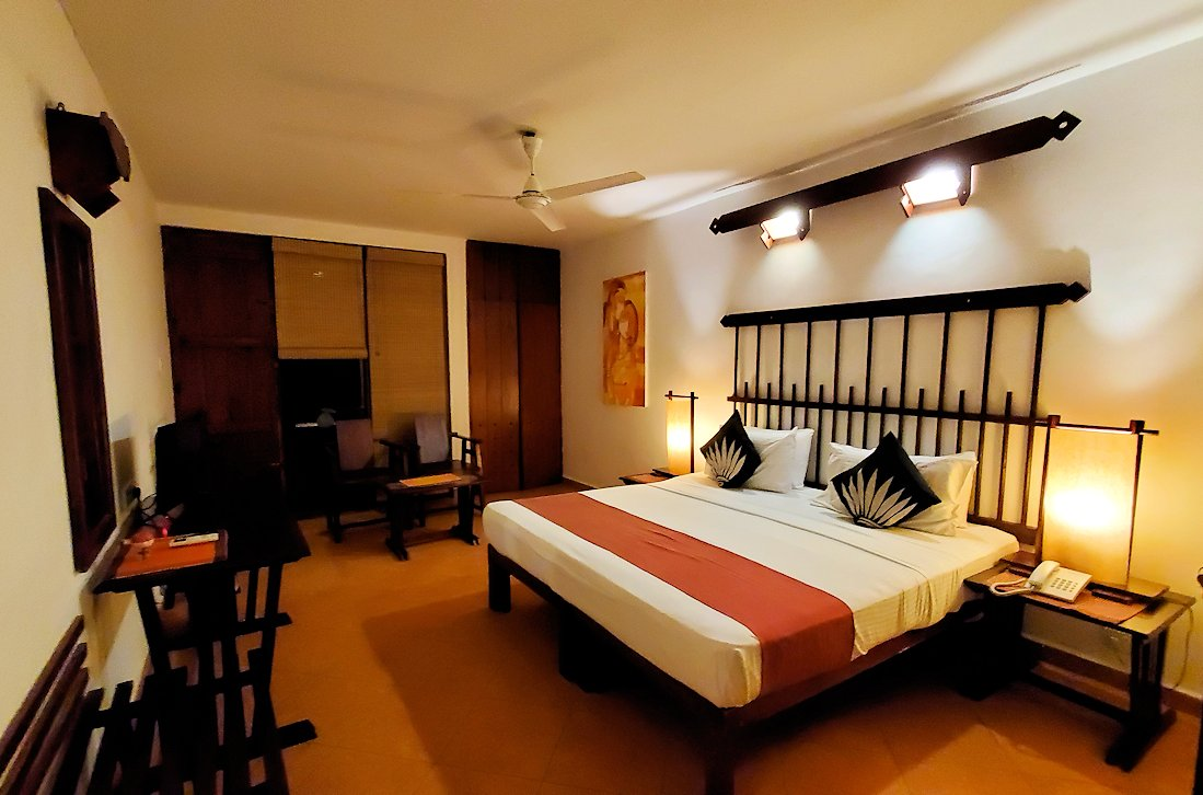 ゴールの街にある【ホテル】ザ・ロング・ビーチ・リゾートの部屋の内装-2