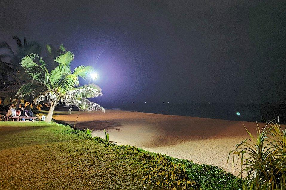 夜のザ・ロング・ビーチ・リゾートのビーチの景色