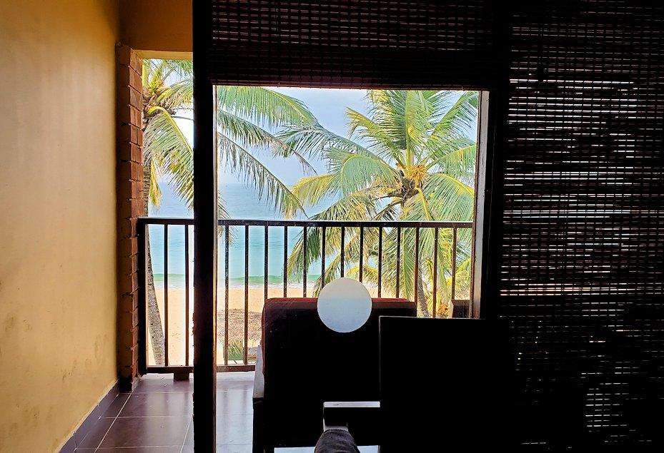 ゴールの「ロング・ビーチ・リゾートホテル」の部屋からの眺め