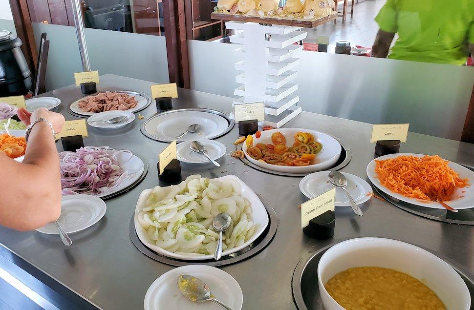 「ロング・ビーチ・リゾートホテル」で朝食を食べる