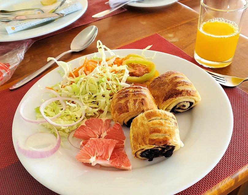 「ロング・ビーチ・リゾートホテル」で朝食を食べる-3