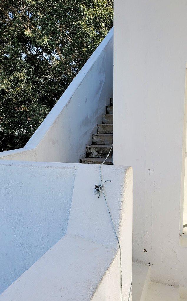 コロンボ市内にあるジェフリー・バワの自宅跡のベランダ部分に繋がる階段