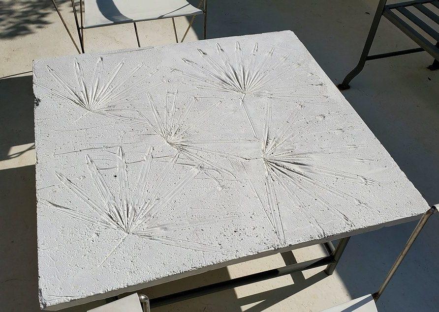 コロンボ市内にあるジェフリー・バワの自宅跡のベランダ部分に置かれていたテーブル