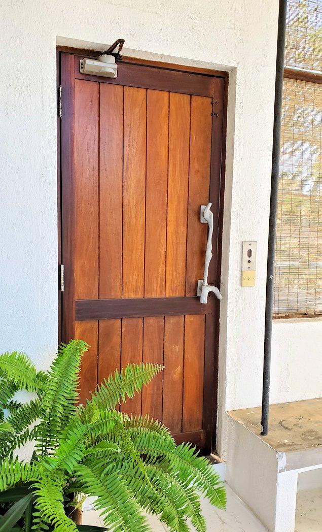 ジェフリー・バワの自宅跡のベランダ部分の扉