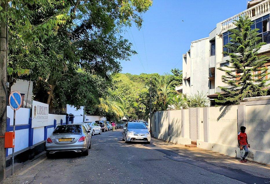 ジェフリー・バワの住んでいた高級住宅街の景色