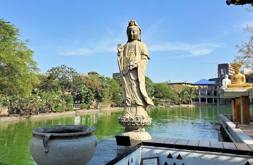 シーマ・マラカヤ寺院にあった仏像