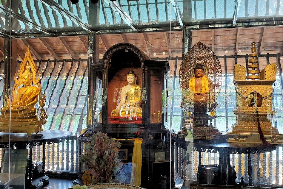 シーマ・マラカヤ寺院の本堂内の景色-3