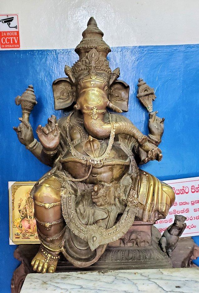 ガンガラーマ寺院の入口にあったガネーシャの像