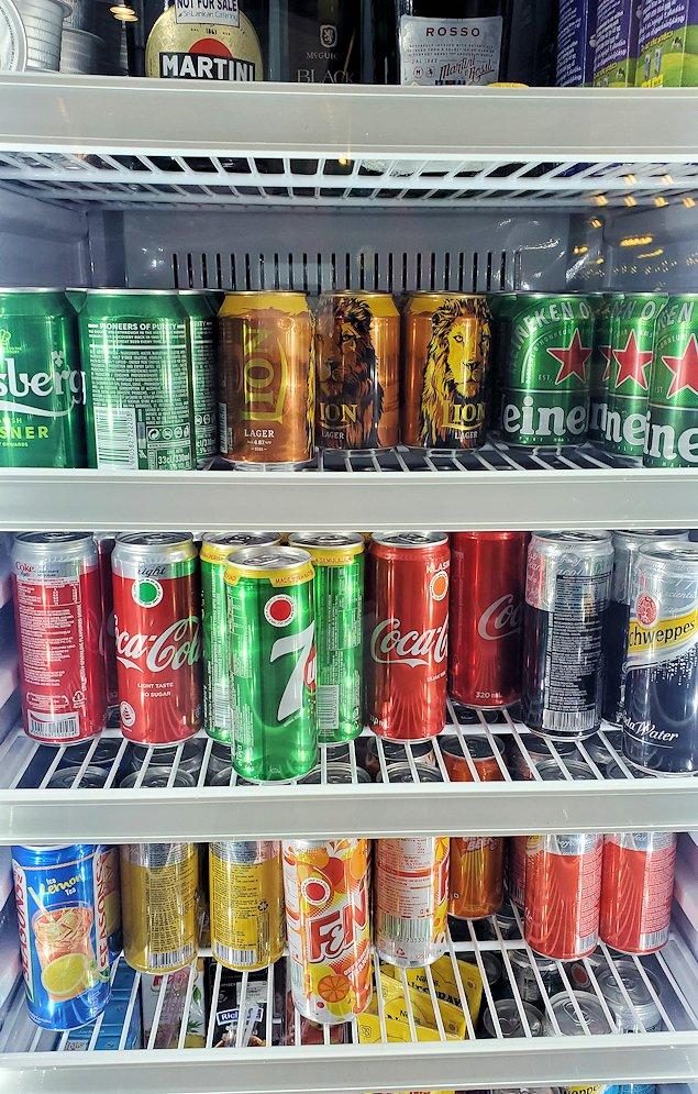 バンダラナイケ国際空港内にあるラウンジの冷蔵庫