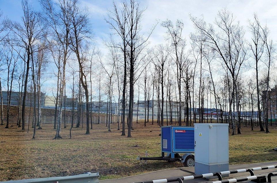 ドモジェドヴォ空港からモスクワ市内へ向かうバスからの景色