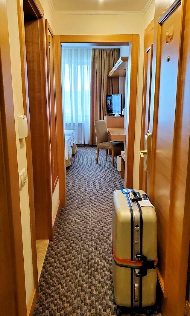 モスクワの南側にある「ミランホテル」の部屋内