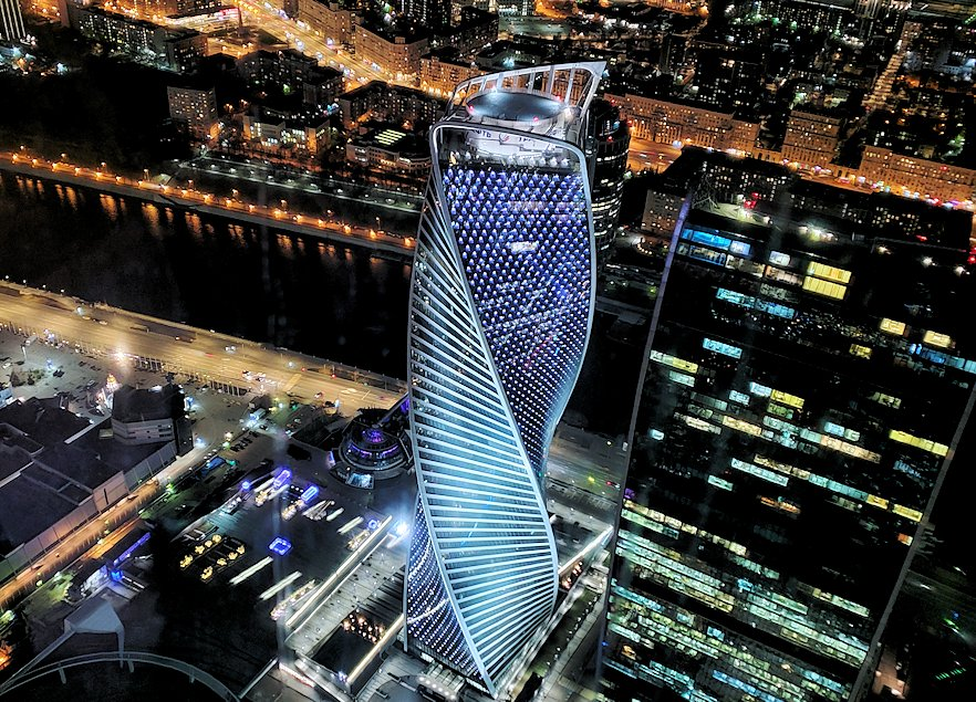 フェデレーションタワーの展望台から見える「エヴォリューション・タワー」