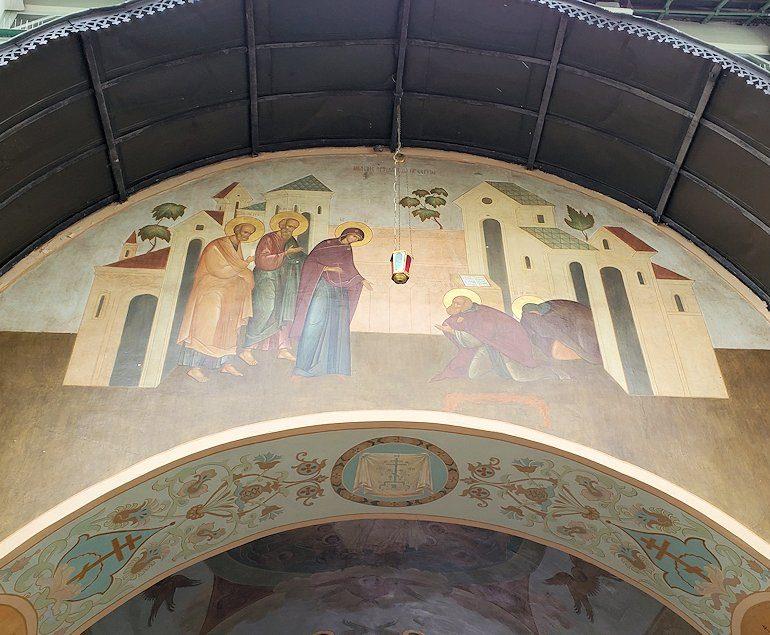 トロイツェ・セルギエフ大修道院群の入口通路に描かれたフレスコ画-4