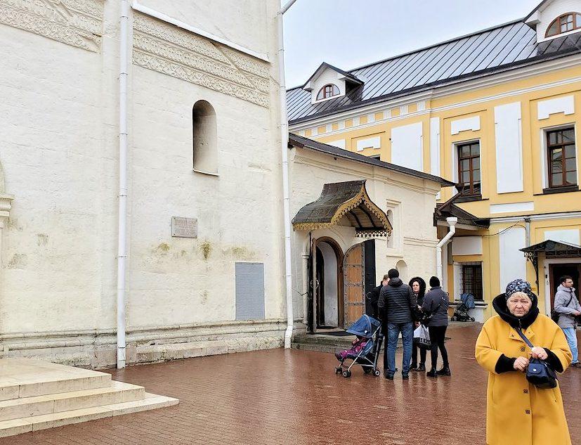 セルギエフ・ポサードにあるトロイツェ・セルギエフ大修道院敷地内