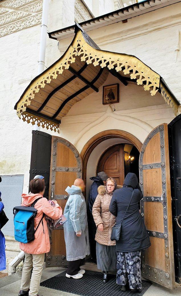 セルギエフ・ポサードにあるトロイツェ・セルギエフ大修道院敷地内-2
