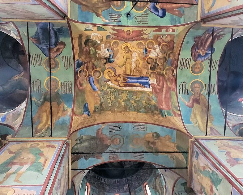 ウスペンスキー大聖堂内の天井