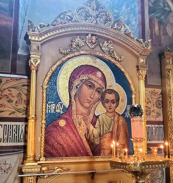 ウスペンスキー大聖堂内の聖母マリアのイコン