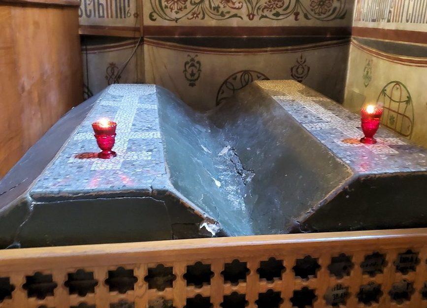 ウスペンスキー大聖堂内にあるお墓