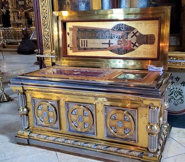 ウスペンスキー大聖堂内の聖人の聖遺骨
