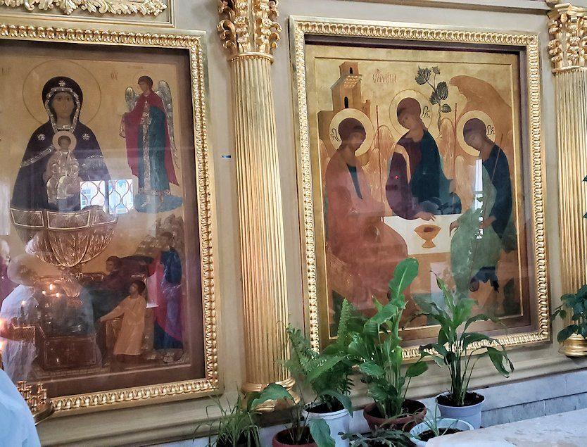 トロイツェ・セルギエフ大修道院にある礼拝堂内のイコン